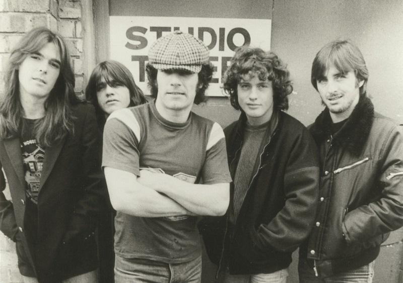 AC/DC relata la historia de