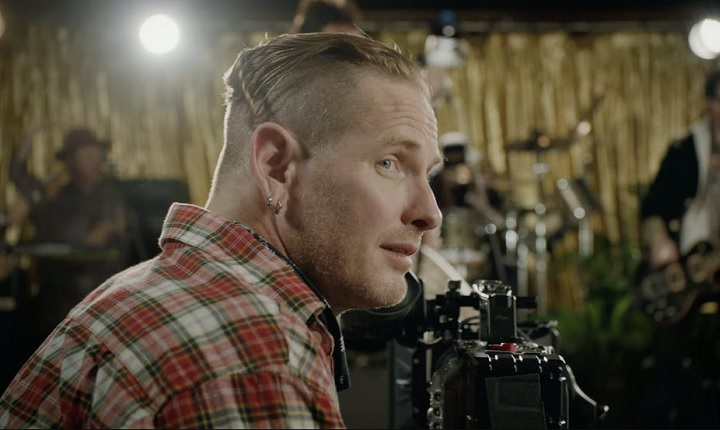 Corey Taylor invita a varias estrellas en su flamante video