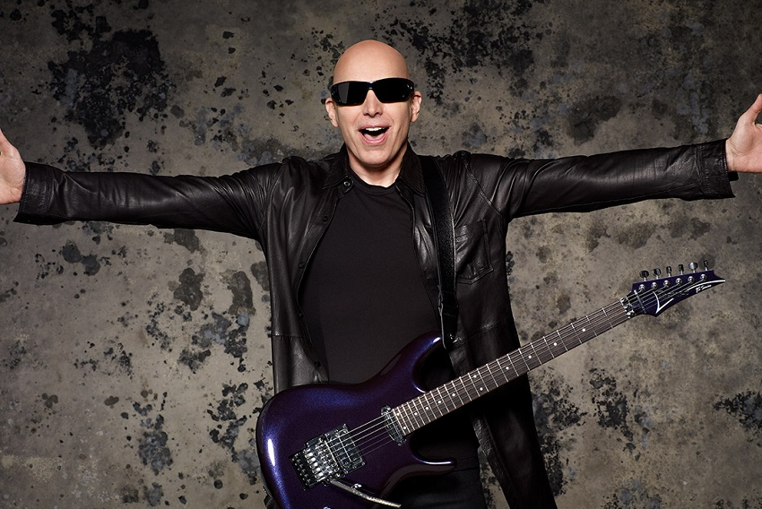 Joe Satriani reeditará ''Surfing with the Alien'' sin solos de guitarra