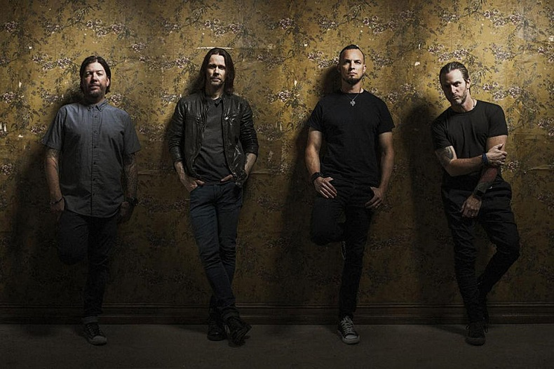 Alter Bridge estrenan la in�dita 'Last Rites'