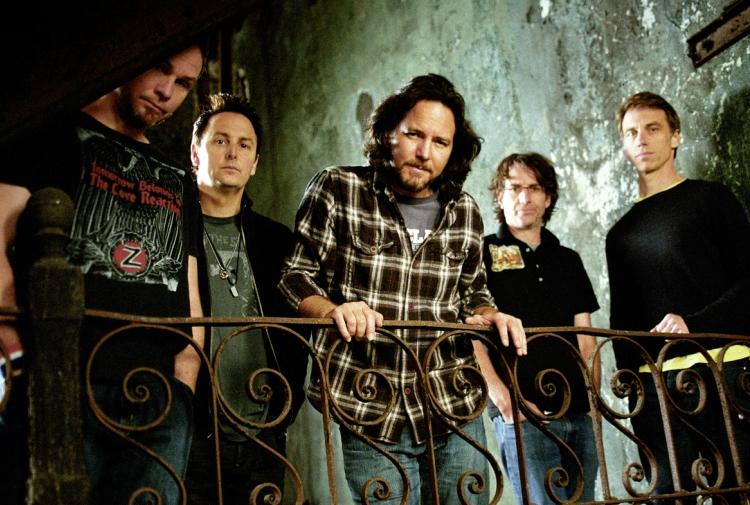 Pearl Jam revela versi�n sin censura del videoclip de 'Jeremy'