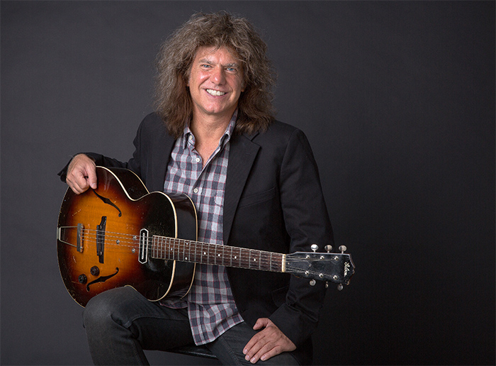 Pat Metheny reagenda su visita a Chile para el 2021