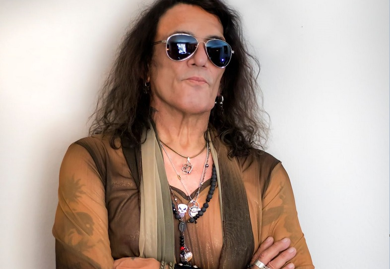Stephen Pearcy retoma su carrera solista con 'Night Flight'