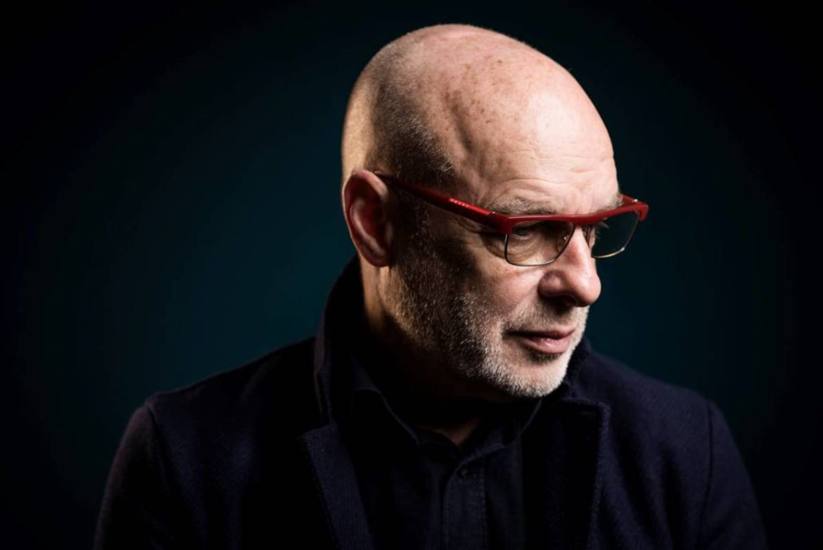 Brian Eno comparte el primer video oficial de su carrera